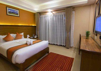 deluxe king room 2